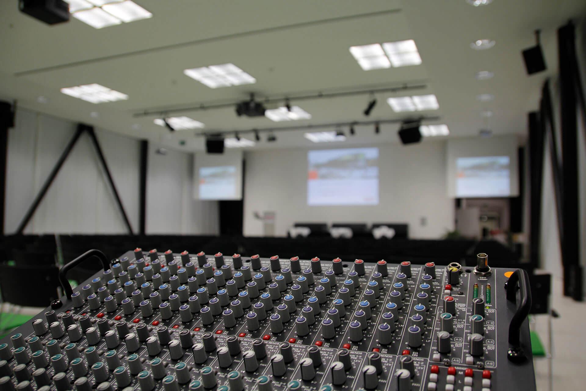 Medientechnik - Über eine behandelbare Crux einer Techniksparte
